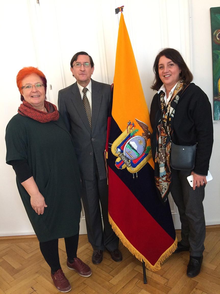 Cristina Colombo, Presidente de Adelante, asas, Embajador de Ecuador, Paloma Alvarez, Tesorera de Adelante